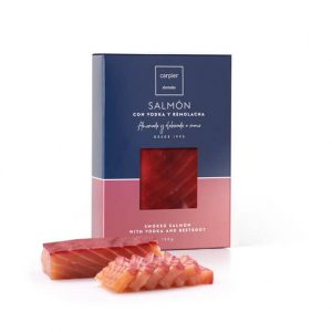 Smoked salmon fillet with vodka and beetroot