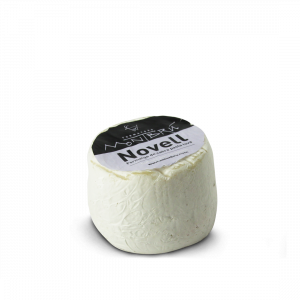 Novell Semi matured cheese small piece